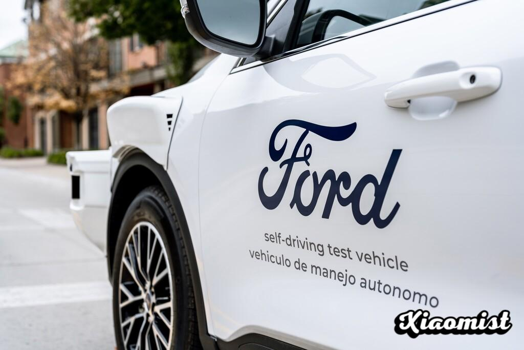 {Disarmed} Ford hires Doug Field, CEO of Apple Car and former Tesla executive: Apple s car in uncertainty again