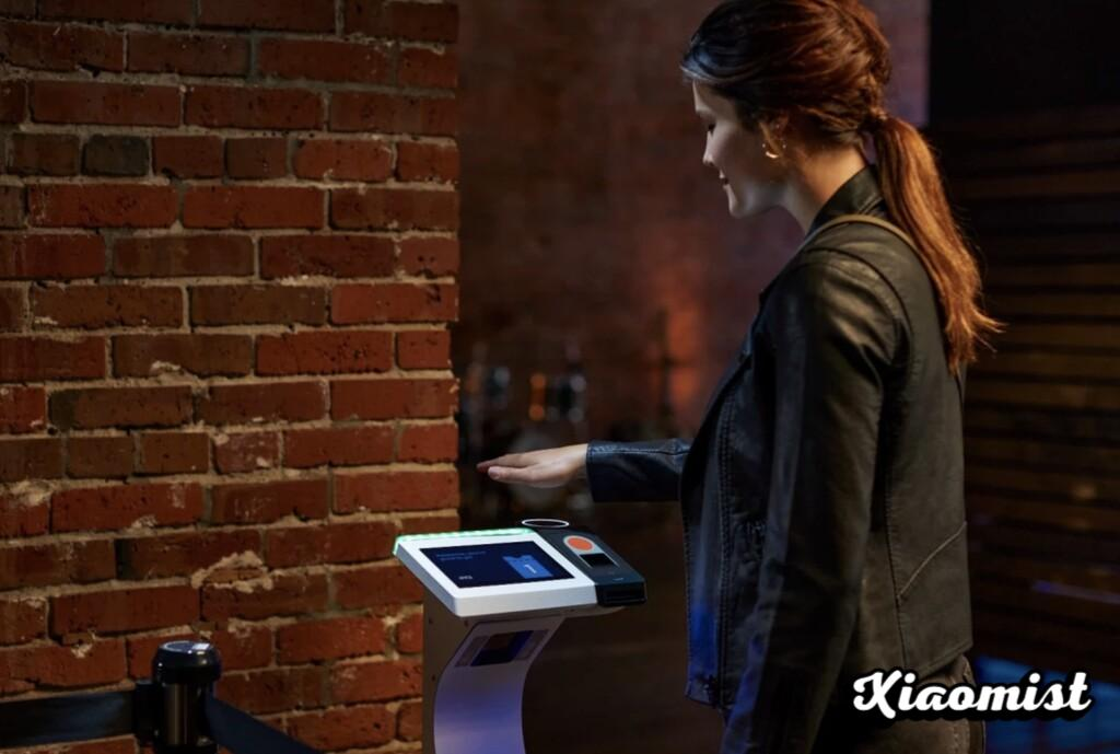 {Disarmed} Amazon One, the palm identification system, reaches stadiums and concert halls
