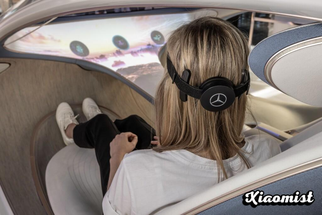 A Mind-Controlled Mercedes: The Spectacular AVTR Concept Now Comes With A Brain-Computer Interface